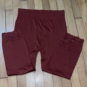 Zenana Outfitters Capri Leggings